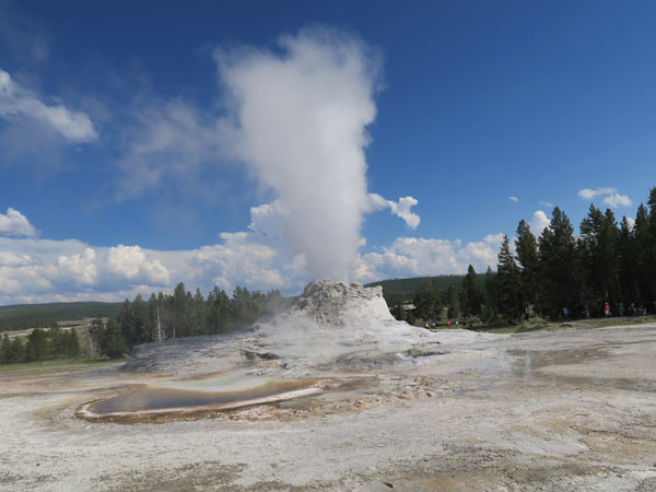 DAY 3: YELLOWSTONE NATIONAL PARK